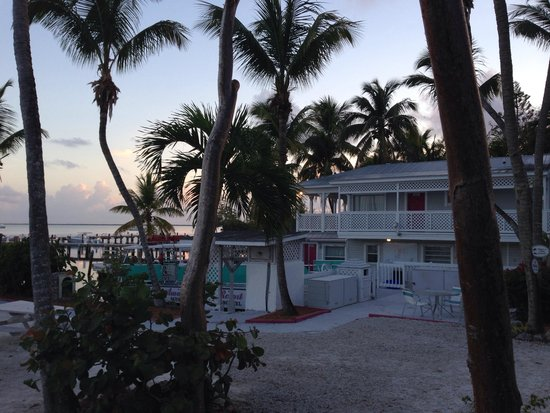 Amy Slate's Amoray Dive Resort: Dive dock and resort rooms