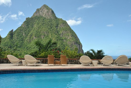 Stonefield Estate Resort : Piton View from Pool