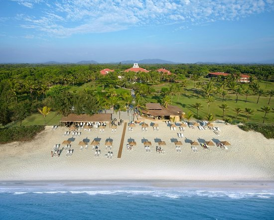 Caravela Beach Resort: Beach Aerial