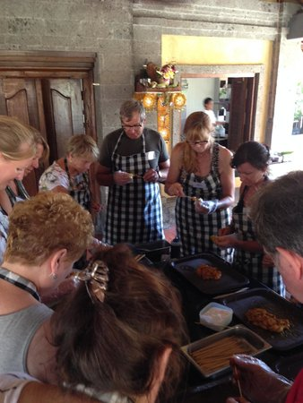 Bumbu Bali Cooking School: Everyone get to try, they do good work.