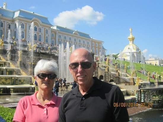 Express to Russia: By the fountains at Peterhof