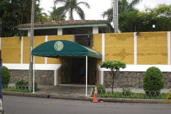 Kal Nawi Hotel: Entrance