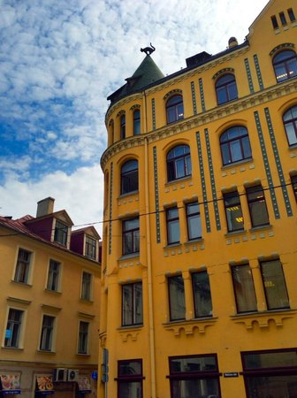 E.A.T. Riga Tours: Riga Cat House, from the EAT Riga Old City tour