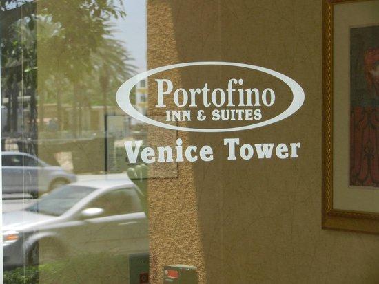 Portofino Inn & Suites Anaheim Hotel: The Venice Tower (north side)