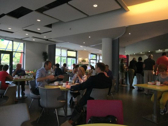 Ibis Styles Paris Bercy : Breakfast Room