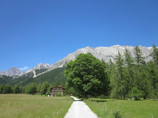 Pension Alpenperle: overall view to mountains