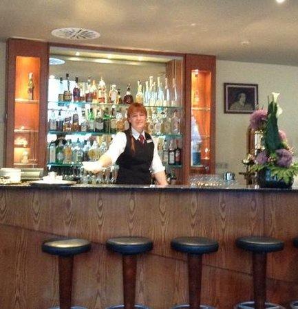 Savigny Hotel Frankfurt City: Accormitarbeiter seit 25 Jahren,spricht viele Sprachen *****