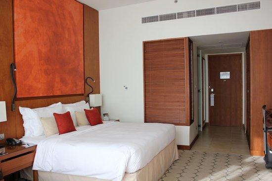 Yas Island Rotana: Rooms are warm and welcoming