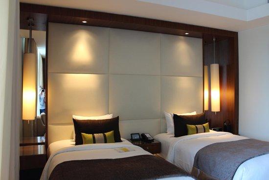 Dubai Marriott Harbour Hotel & Suites: Room