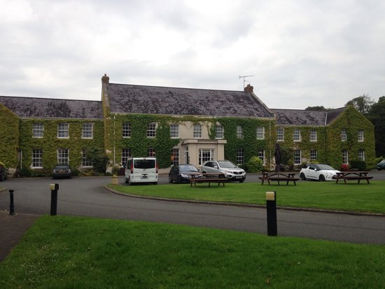 Tullylagan Country House Hotel: The hotel ;)
