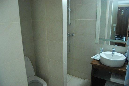 Grand Hotel: Bathroom