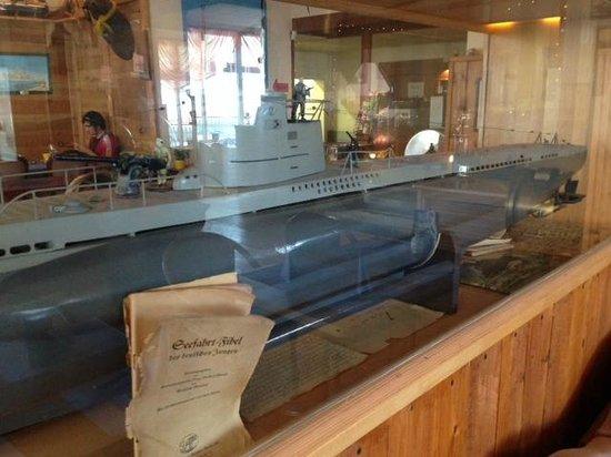 Das Boot: Restaurant interior