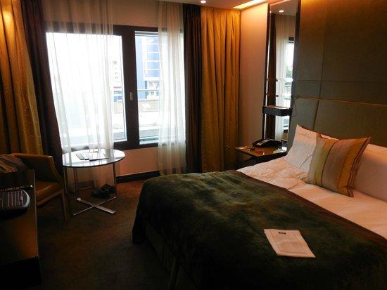 Crowne Plaza London - Battersea: chambre très agréable