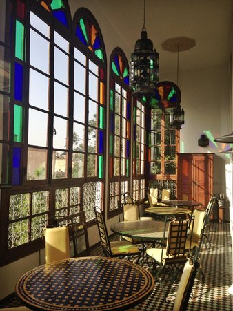 Ryad Mabrouka: beautiful light from the windows