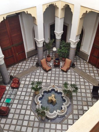 Ryad Mabrouka: view to the inside courtyard from upstairs