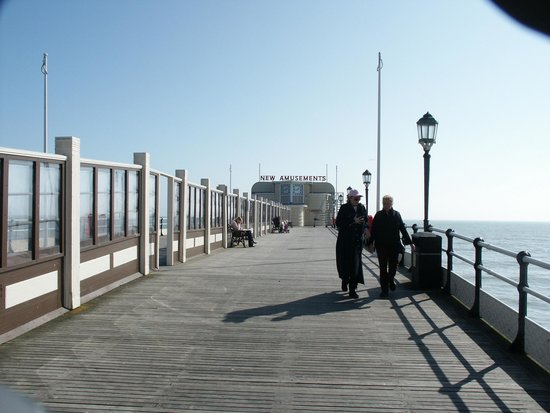 Worthing Pier: View along the pier