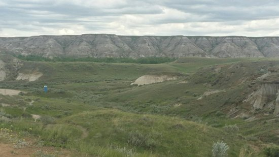 Dinosaur Provincial Park Comfort Camping: Amazing landscape