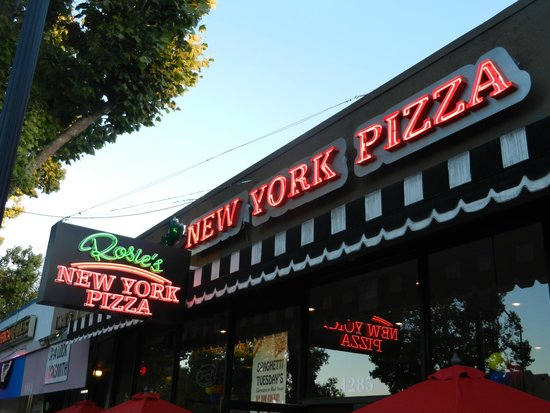 Rosie's New York Pizza: Look for the Neon Signs!