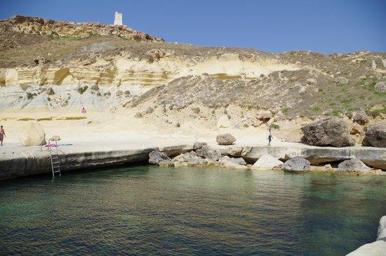Golden Sands Beach: la piscina naturale