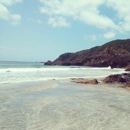 White Beach Hotel: Beach