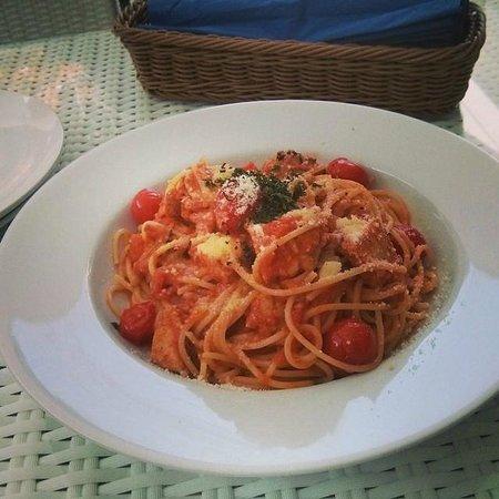 White Beach Hotel: Amazing pasta with chicken.