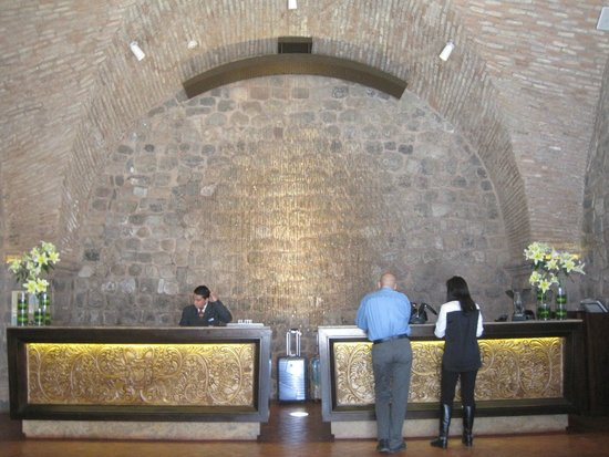 JW Marriott El Convento Cusco: Lobby registration