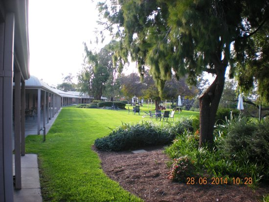 Cadell on the Murray: Gardens