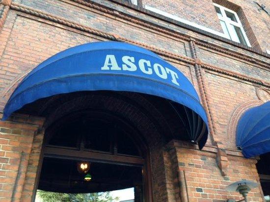 Ascot Apartments: Ascot