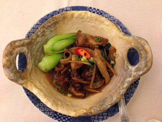Dapeng Bay Restaurant: Tuna tail in yummy sauce
