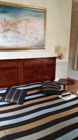 La Papessa: DOUBLE/TWIN SUPERIOR ROOM