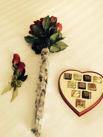 Sofitel Legend Metropole Hanoi: Lovely gifts from hotel