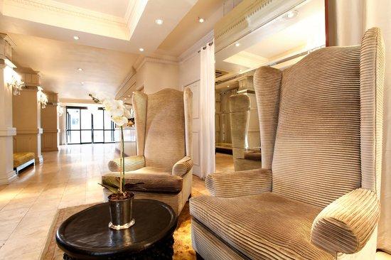 Manhattan Hotel: Reception Seating Area