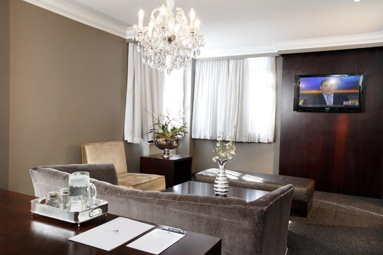 Manhattan Hotel: Executive Suite Lounge Area