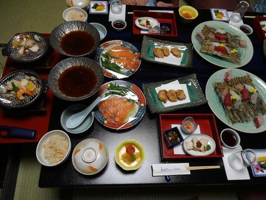 Toba Grand Hotel : 海の幸たっぷりの夕食