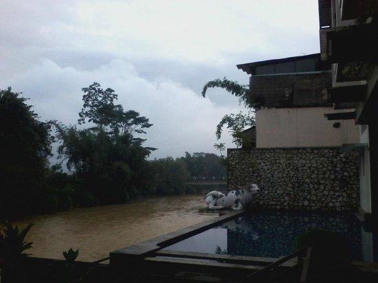 Luta Resort Toraja: Fanorama dari balik jendela kamar