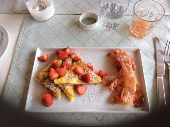 Casa di Maio: One of the amazing breakfasts served