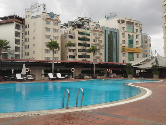 New World Saigon Hotel: the pool