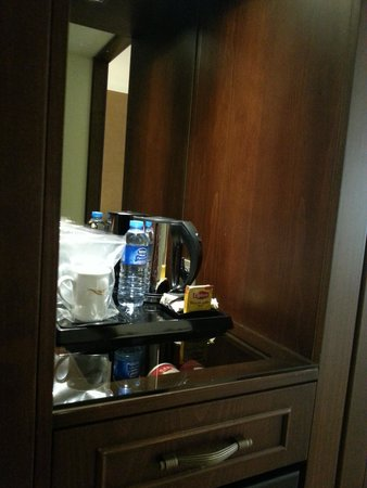 LaresPark Hotel: kettle