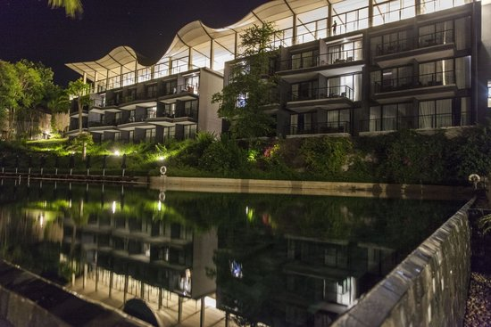Beyond Resort Krabi: Night time view of hotel