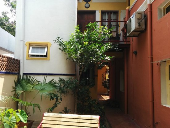 Casa Cottage: Walkway