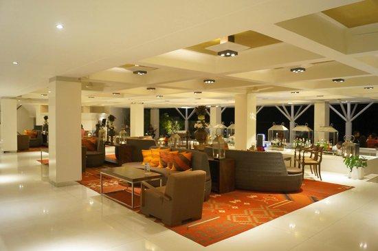 Cinnamon Citadel Kandy : Lobby area