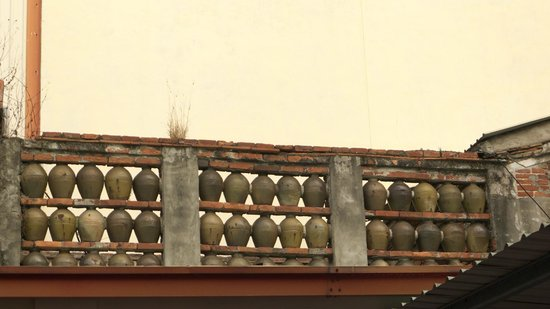 Xie Family's Jar Walls