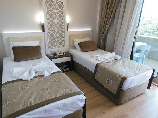 Linda Hotel: chambre rénovée