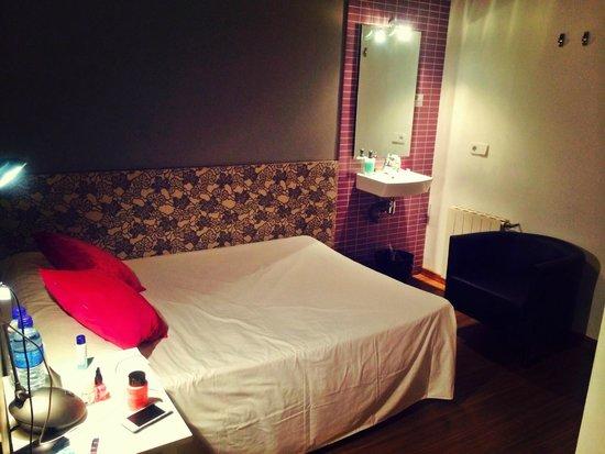 Hostal NITZS BCN: room 1