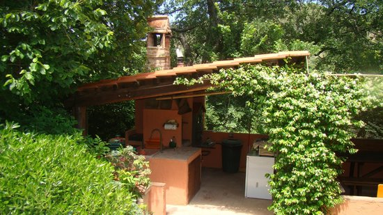 Casina Valloreci: Your EXCLUSIVE outdoor kitchen.