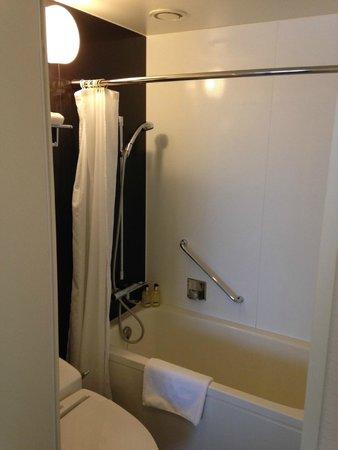 Citadines Karasuma-Gojo Kyoto : Bathroom
