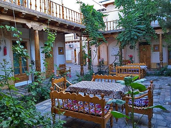Grand Nodirbek Hotel: 中庭も雰囲気がありハード面は完璧です
