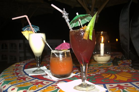 Estrela Do Mar Beach Resort : Drink Art at Beach Shack