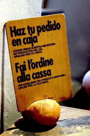 Buenas Migas: Innovative spacial board with a bun :-)