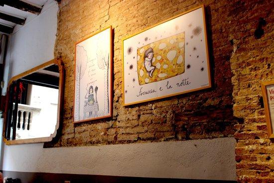 Buenas Migas: Nice art on the walls